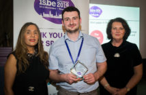 Peter Gittins (C) with ISBE President Kiran Trehan (L) & ISBE 2019 Co-Chair Michele Rusk (R)
